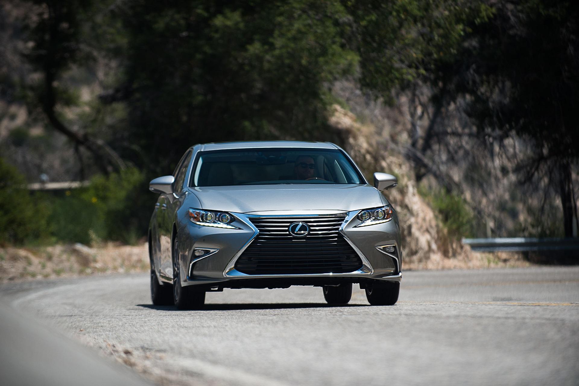 2018 Lexus ES Features Review The Car Connection