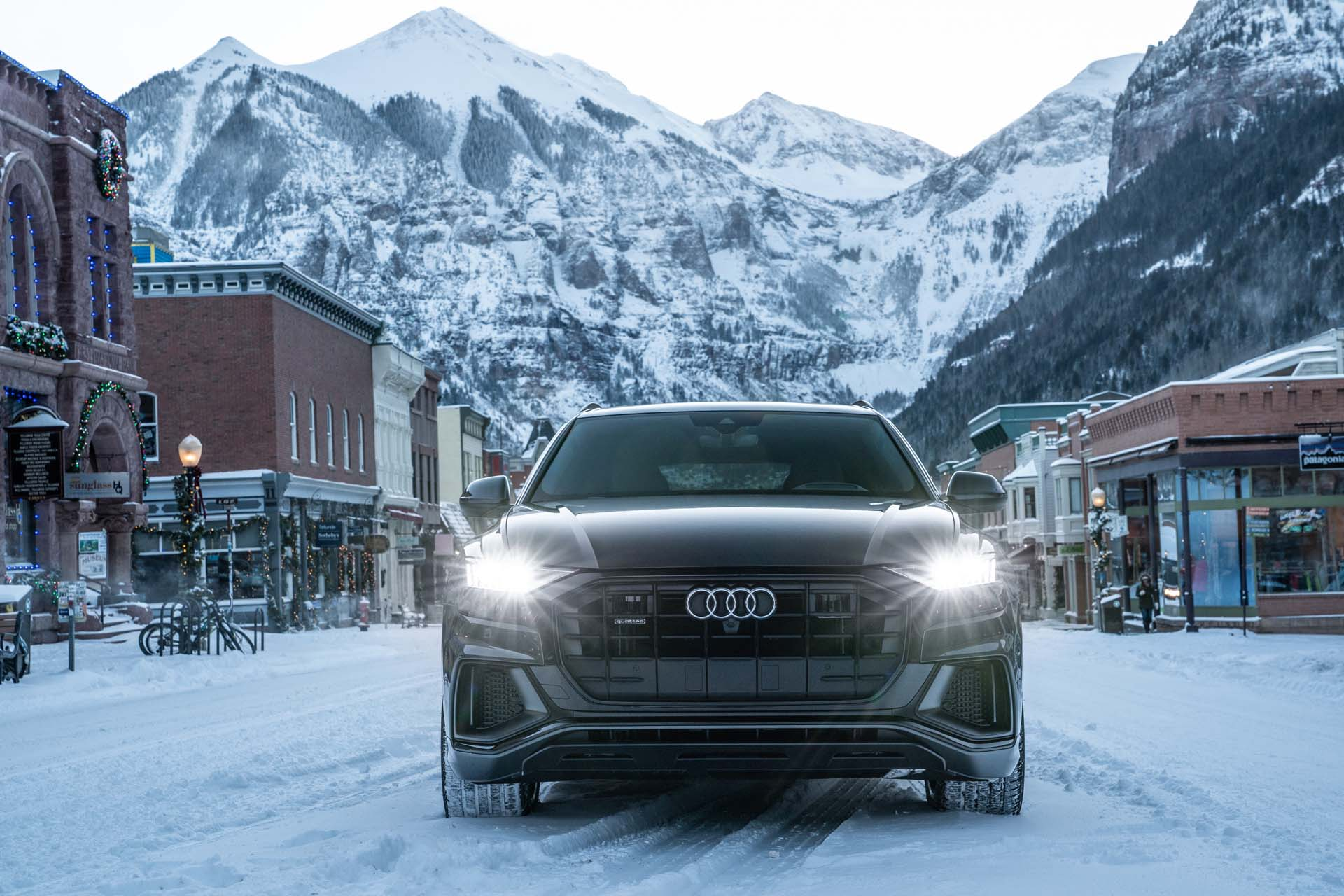 hight resolution of audi q8