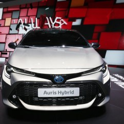 All New Corolla Altis 2019 Grand Avanza Limited Toyota Hatchback Forges Ahead With Hybrid Power