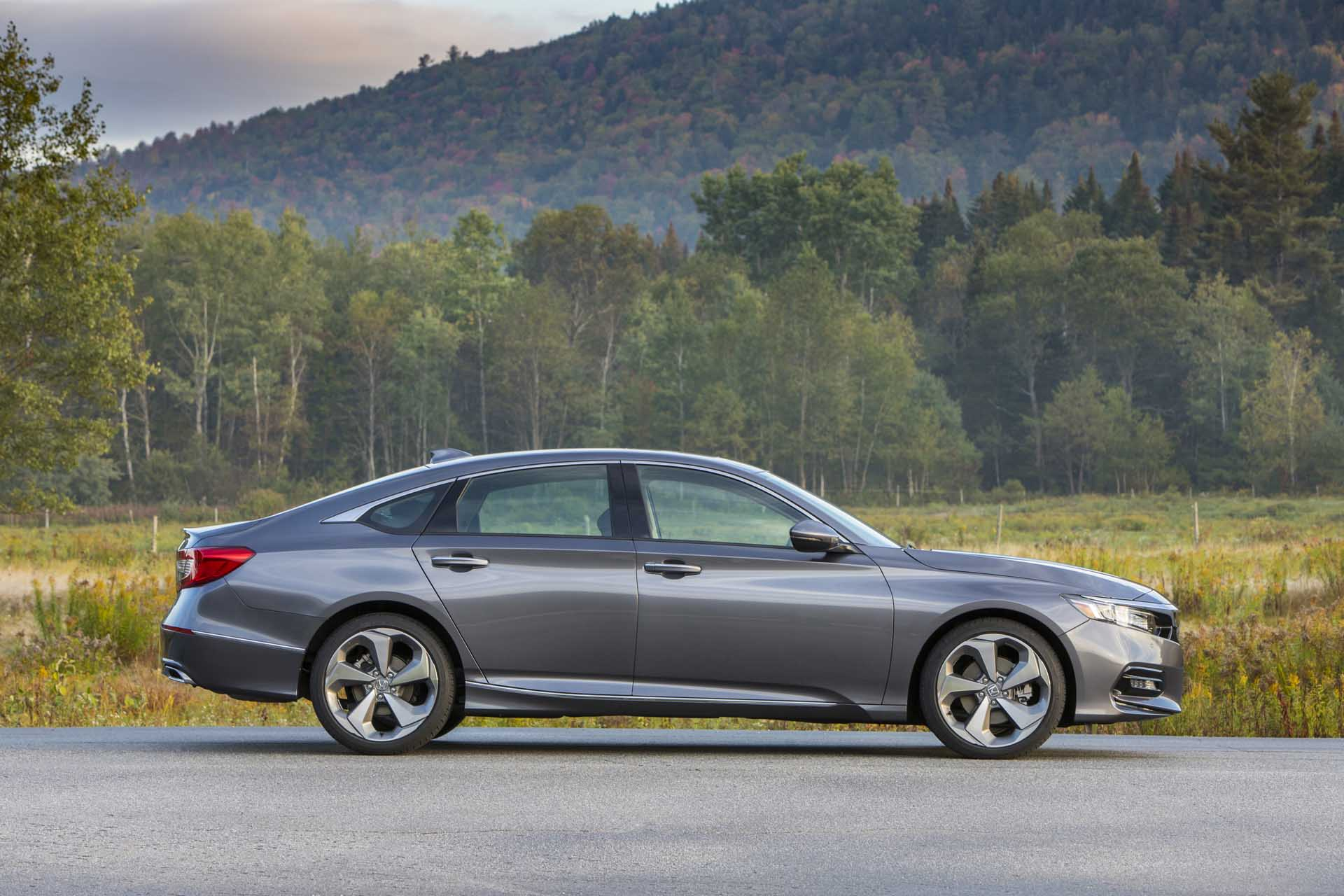 The honda accord tops the list of most popular cars year after year. 2020 Honda Accord Vs 2020 Toyota Camry Compare Cars