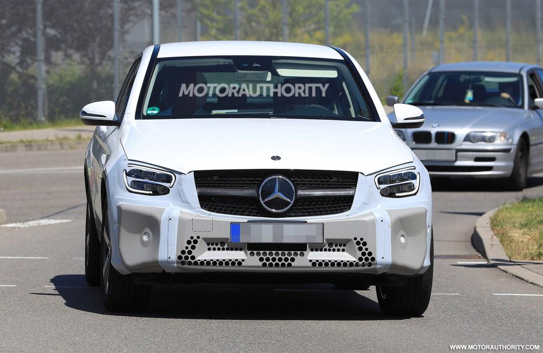 2020-mercedes-benz-glc-coupe-facelift-spy-shots--image-via-s-baldauf-sb-medien