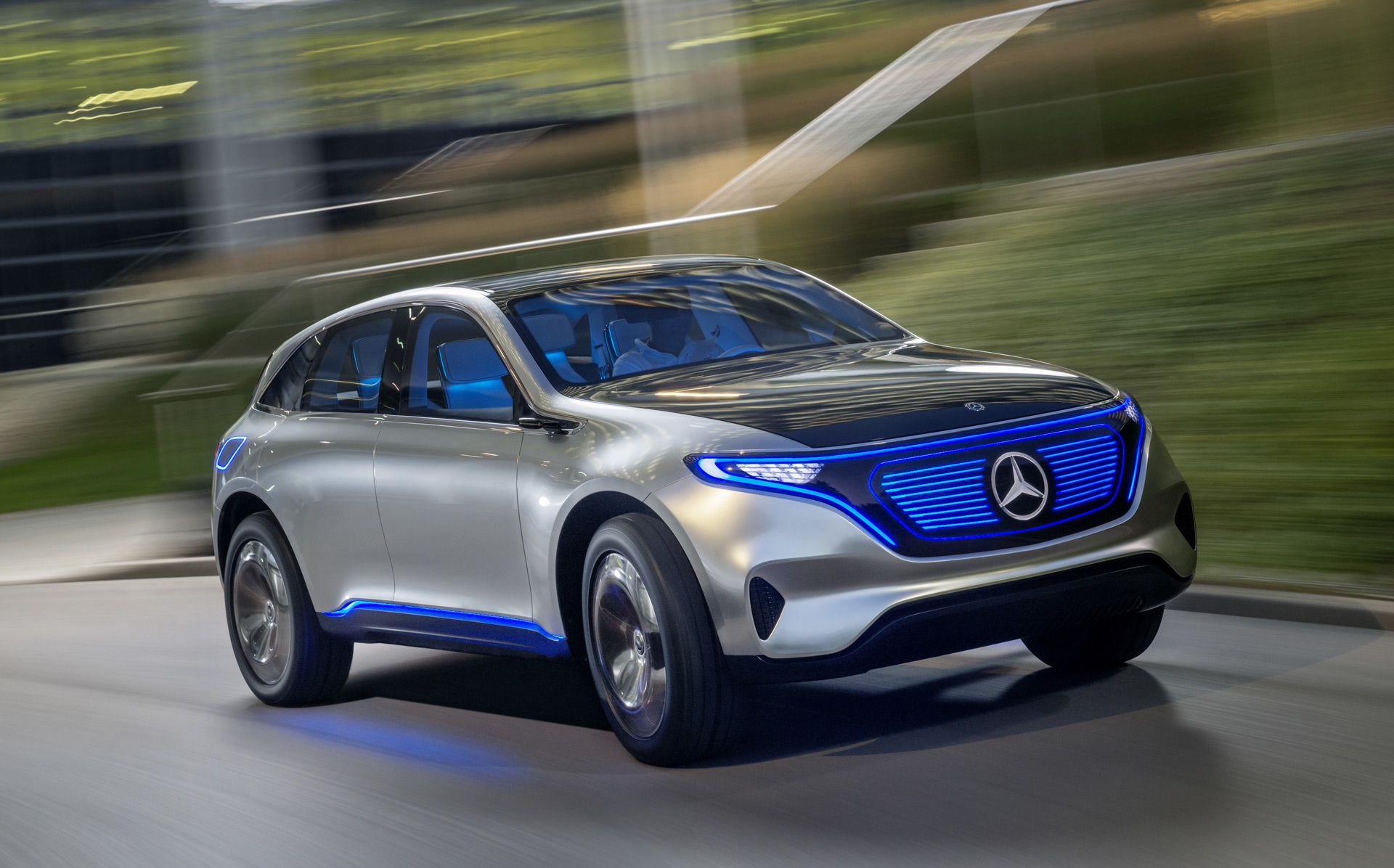Electric cars in Paris new Jeep Compass Tesla discounts