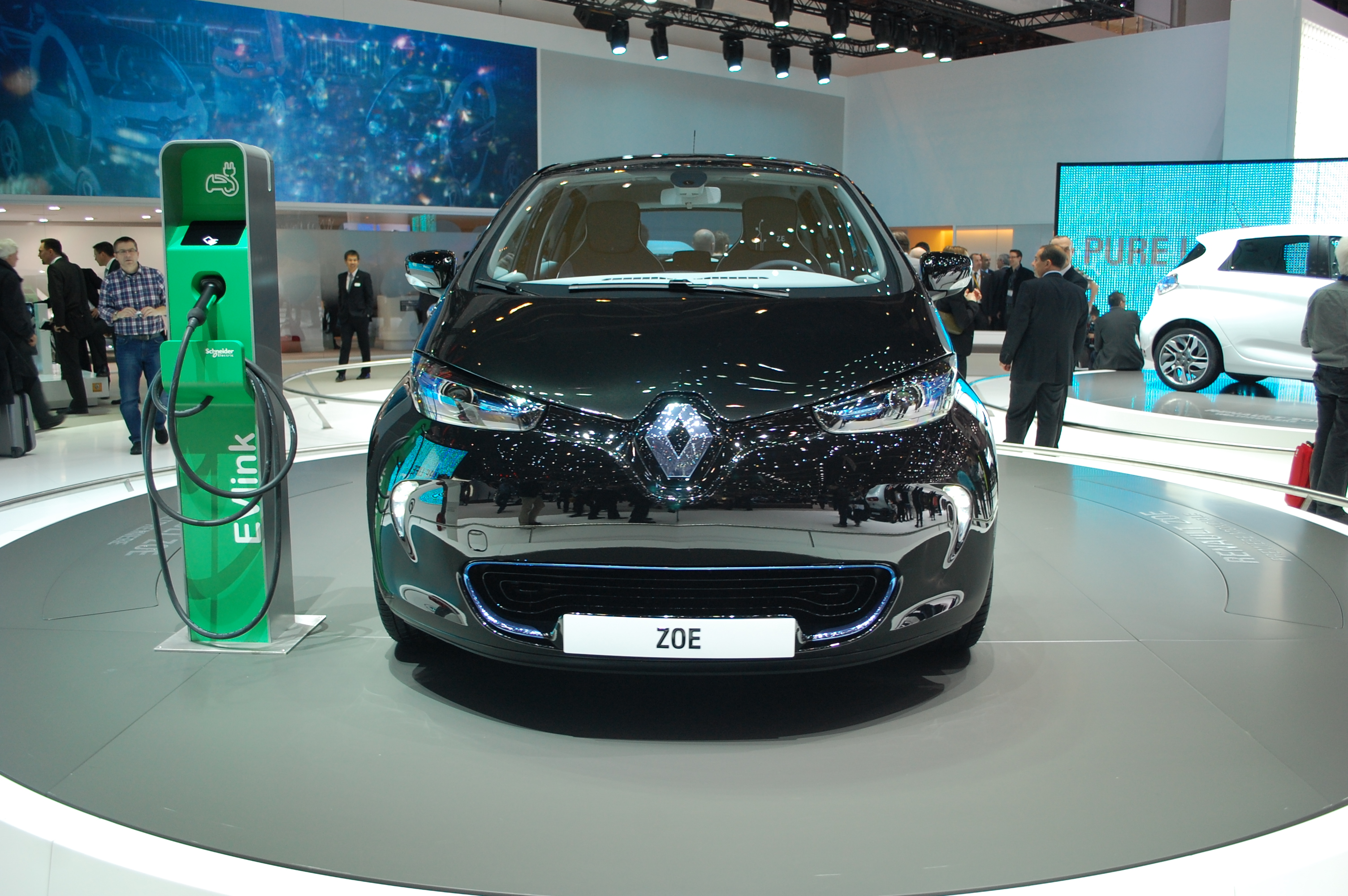 2013 Renault Zoe A Stylish Normal Complement To The