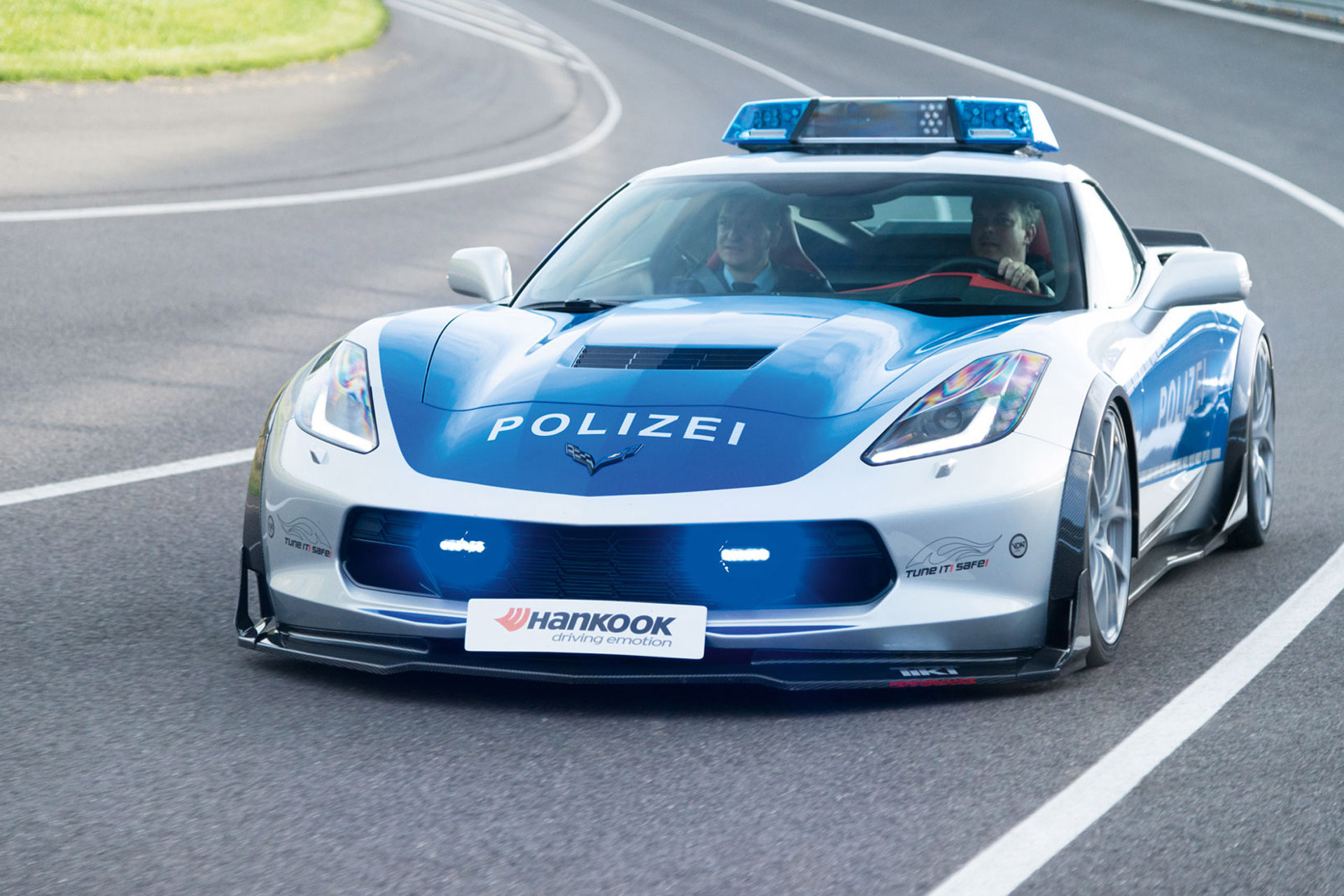 hight resolution of chevy corvette impresses at essen motor show
