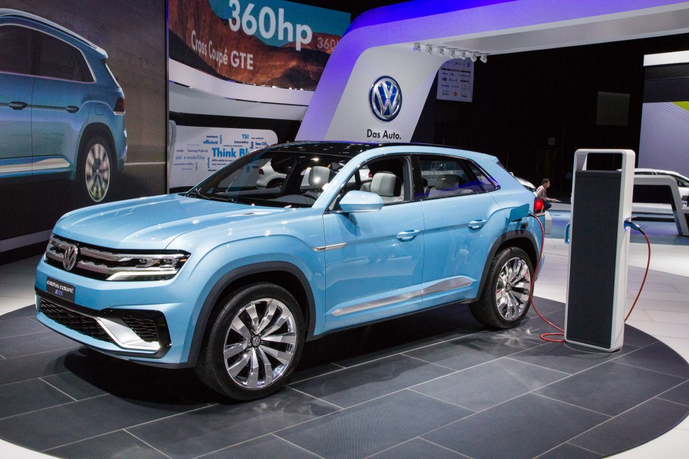 medium resolution of volkswagen cross coupe plug in hybrid concept mid size suv previewed for 2016