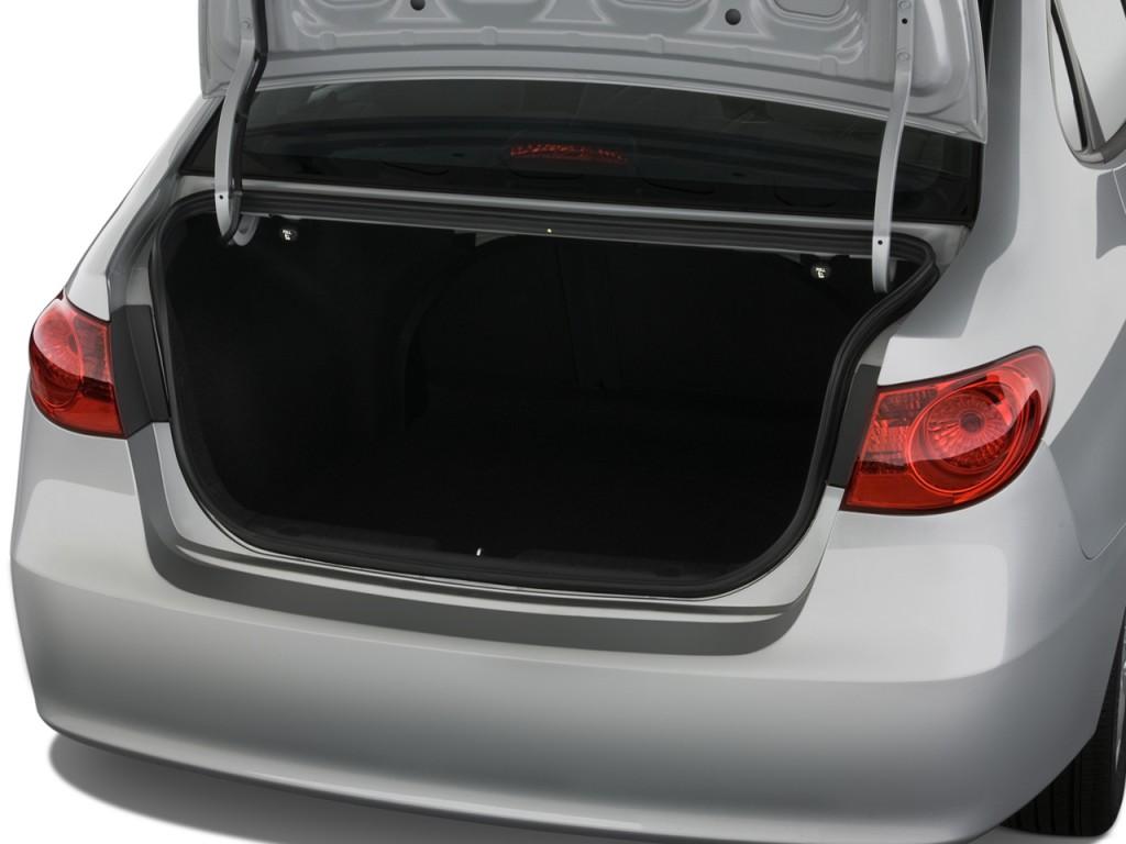 Image 2008 Hyundai Elantra 4 Door Sedan Auto SE Trunk