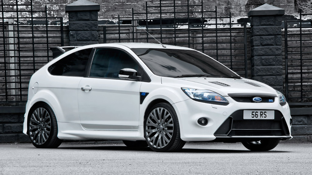 500 Ps Roush Ford Focus Rs Puts On Glossy Red Custom Wheels