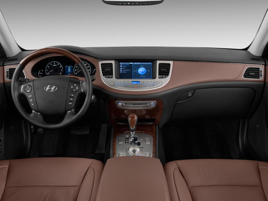 Image 2011 Hyundai Genesis 4 Door Sedan V8 Dashboard