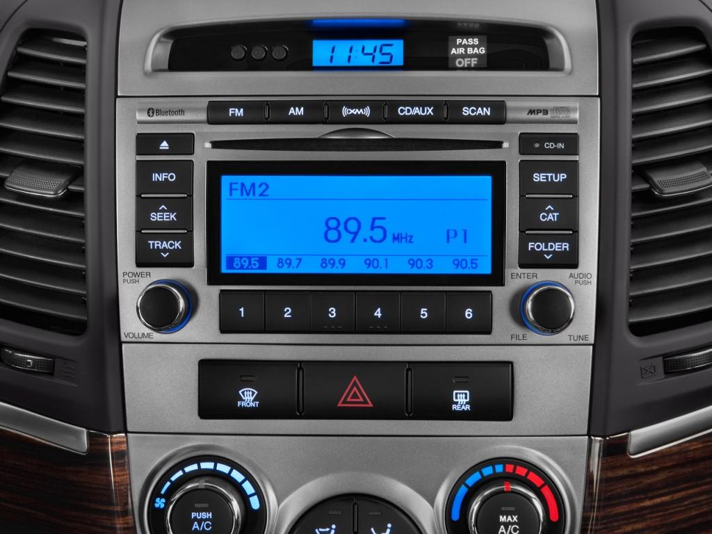 Image 2011 Hyundai Santa Fe FWD 4 Door I4 Auto GLS Audio