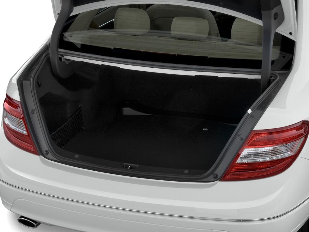 Image 2011 MercedesBenz C Class 4door Sedan 30L Luxury