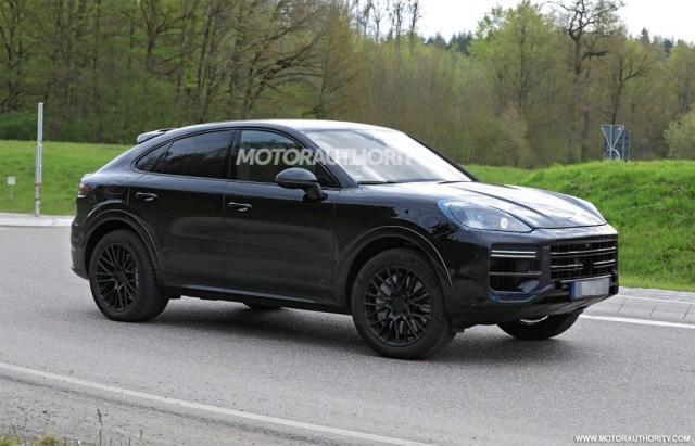 2023 Porsche Cayenne Coupe facelift spy shots - Photo credit:S. Baldauf/SB-Medien