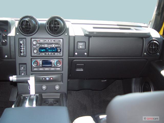 Image 2005 HUMMER H2 4 Door Wagon SUV Instrument Panel