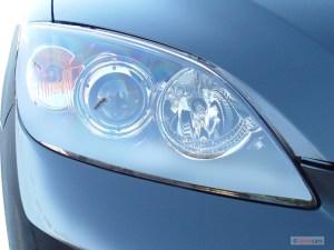 Image: 2005 Mazda MAZDA3 5dr Wagon s Manual Headlight