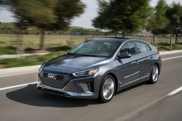 「Hyundai IONIQ 2018」的圖片搜尋結果