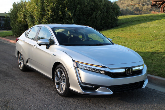 2018 Honda Clarity Plug-In Hybrid drive, Napa Valley, Caifornia, Dec 2017