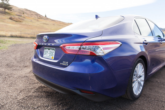 all new camry hybrid review 2.5 l a/t 2018 toyota gas mileage going the distance
