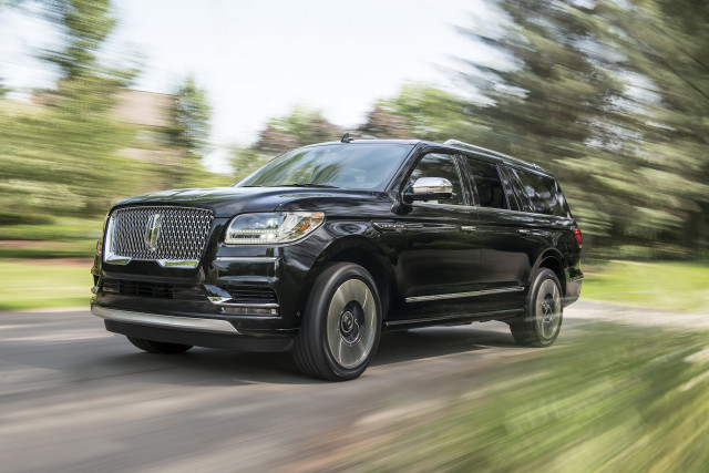 2019 Lincoln Navigator Picturesphotos Gallery The Car Connection