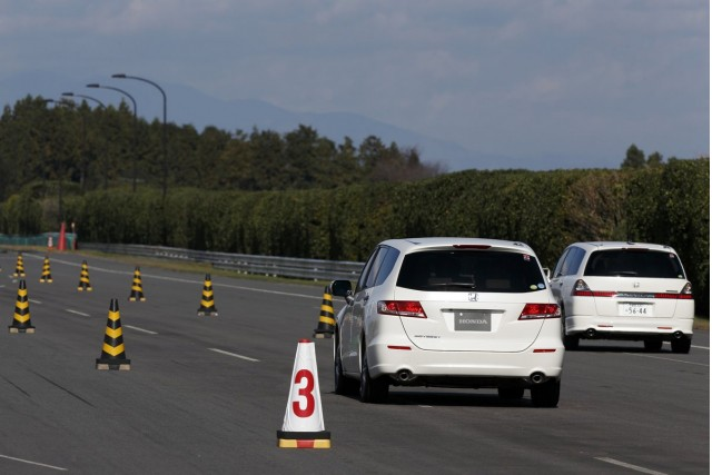 Honda Demonstrates 'green Wave' Tech Designed To Ease Traffic