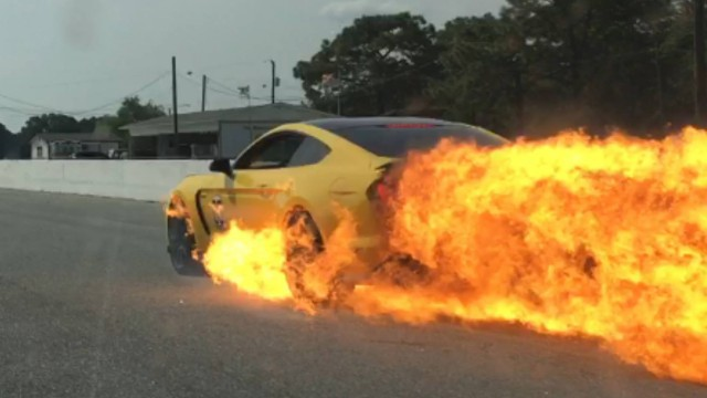 Car Spitting Flames Wallpaper Shelby Gt350 Turns Into Fireball After Flames Kill Brakes