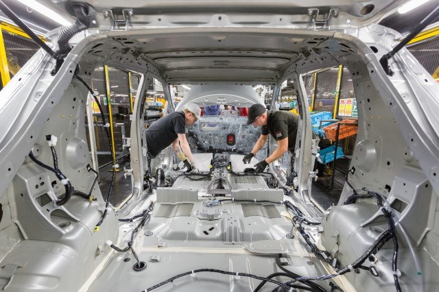 Nissan Leaf electric-car assembly at Sunderland, U.K., plant