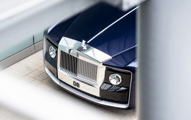 Roll Royce Car Hd Wallpaper Rolls Royce Builds The World S Most Expensive New Car