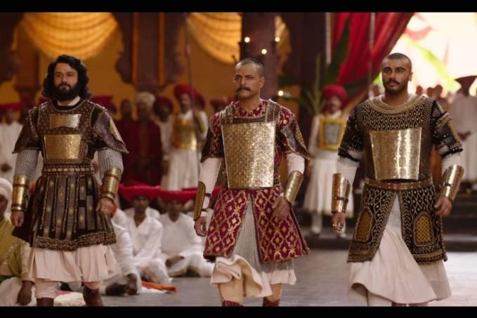 latest news today Panipat Movie Review: युद्ध के इर्द-गिर्द 'राजनीति' को दिखाती अर्जुन कपूर कृति सेनन की फिल्म