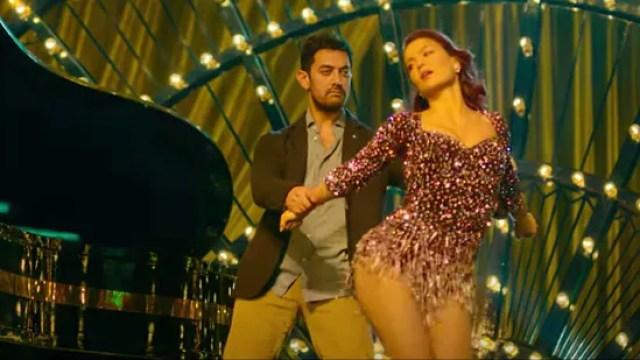 Har Funn Maula song out: Aamir Khan hopes Elli Avram's charm will conceal his 'dancing flaws'. Watch | Entertainment News - Hindustan Times