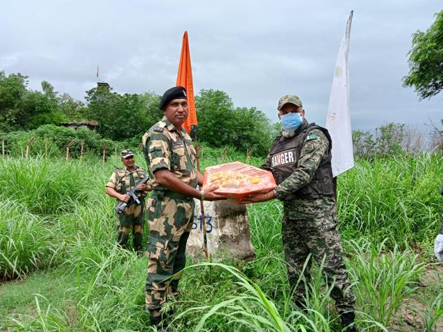 Sweets and pleasantries were exchanged between the BSF and Pakistan Rangers along the international border in Jammu region to celebrate Eid. (Sourced)