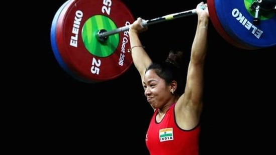 Tokyo Olympics 2020: Weightlifter Mirabai Chanu wins silver medal in women's 49kg category   Olympics - Hindustan Times