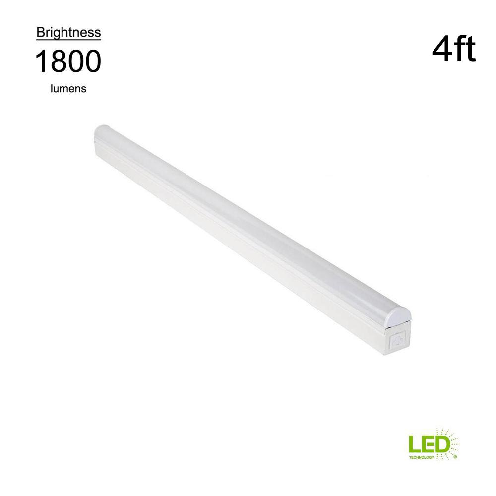 medium resolution of plug in or direct wire power connection 4 ft white 4000k integrated led strip light with power cord and linking cord