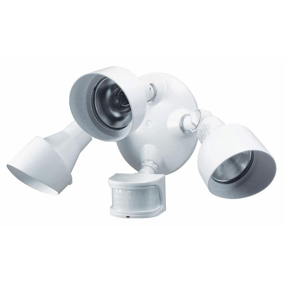 medium resolution of heath zenith 270 degree 3 head motion sensing security light