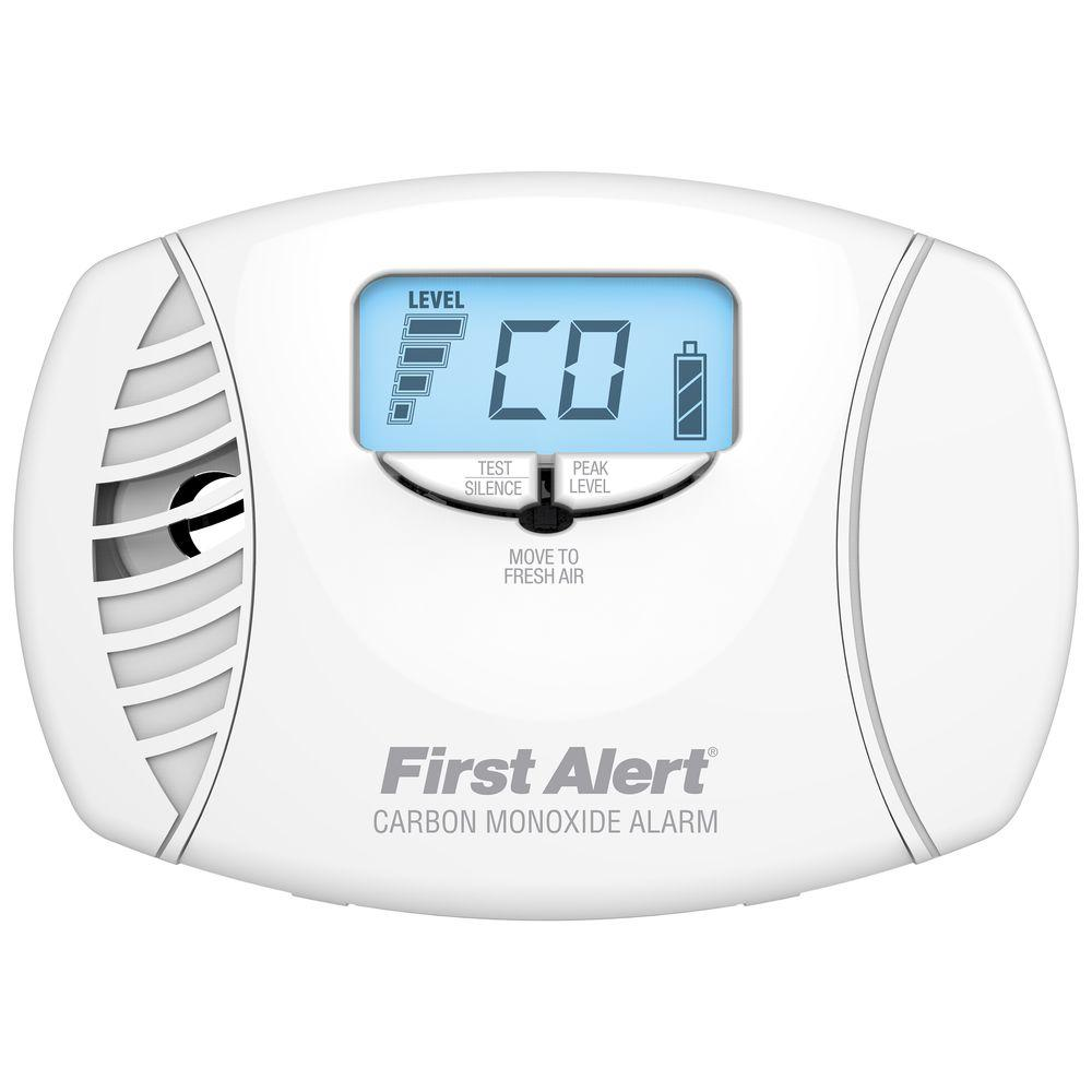 First Alert PlugIn Carbon Monoxide Alarm with Digital Display and Battery BackupCO615  The