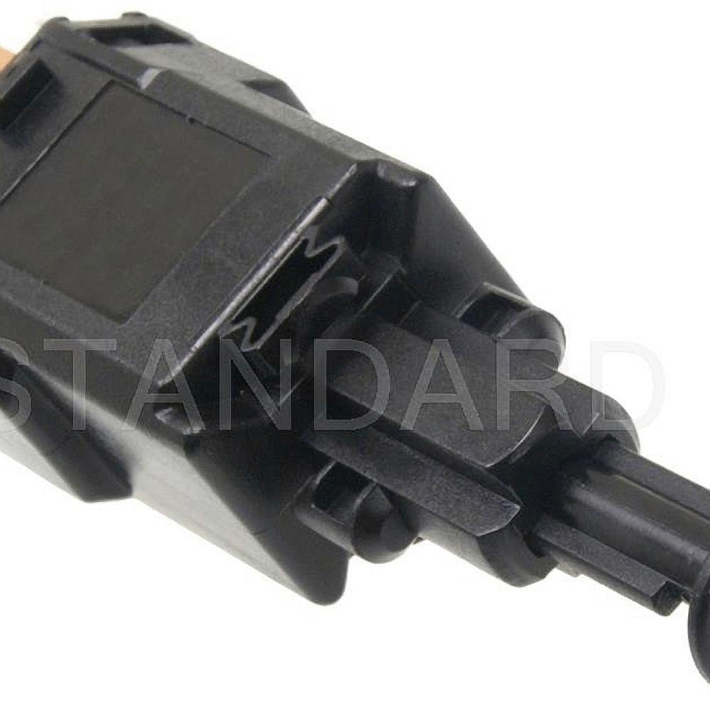 hight resolution of brake light switch fits 2000 2005 saturn l300 l200 lw200 l300 lw300