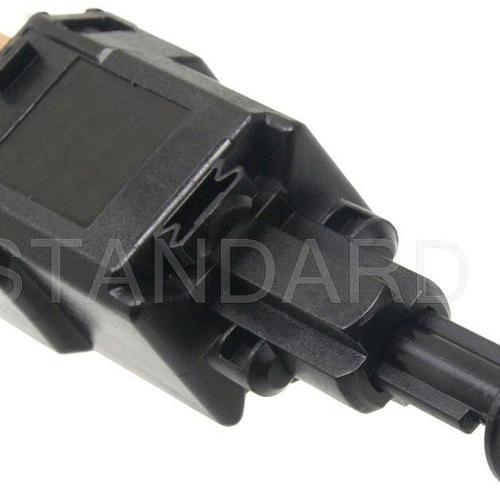 small resolution of brake light switch fits 2000 2005 saturn l300 l200 lw200 l300 lw300