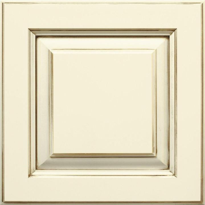 Cabinet Door Sample In Plaza Cotton With Amaretto Creme