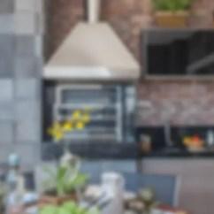 Outdoor Kitchen Bar Tool Crock 一起開趴吧 10個有戶外廚房的露臺 By Martins Valente Arquitetura E Interiores
