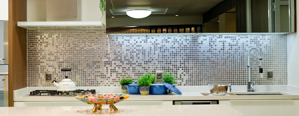 12 ideias para revestir com mosaico as paredes da cozinha