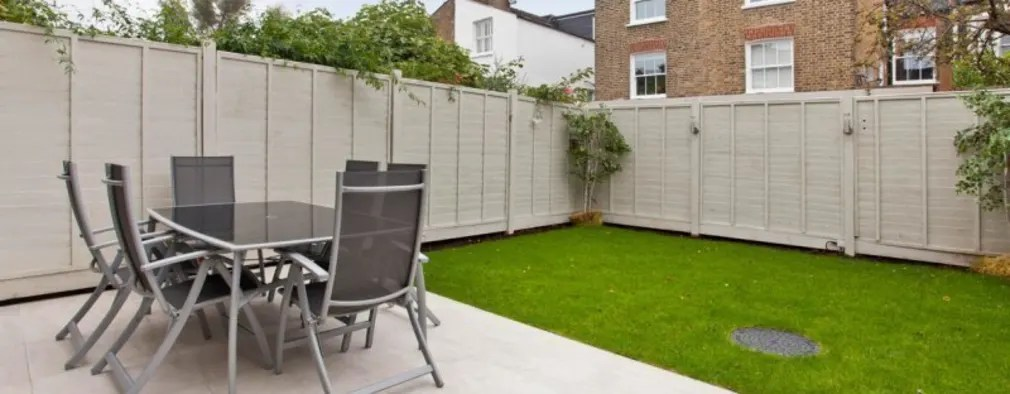 23 Cheap But Effective And Stylish Garden Fence Ideas