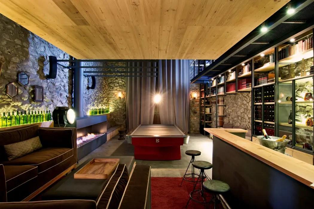 Sala de juegos  bar cavas de estilo por weber