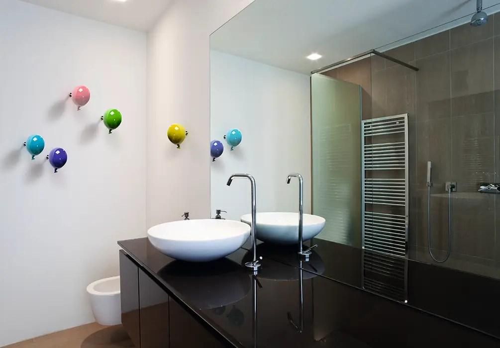 Si moltiplicano, infatti, i negozi specializzati che vendono esclusivamente. Creativando Srl Vendita On Line Oggetti Design E Complementi D Arredo Modern Bathroom Ceramic Homify