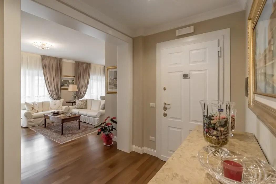 Ingresso  ingresso  corridoio in stile di facile