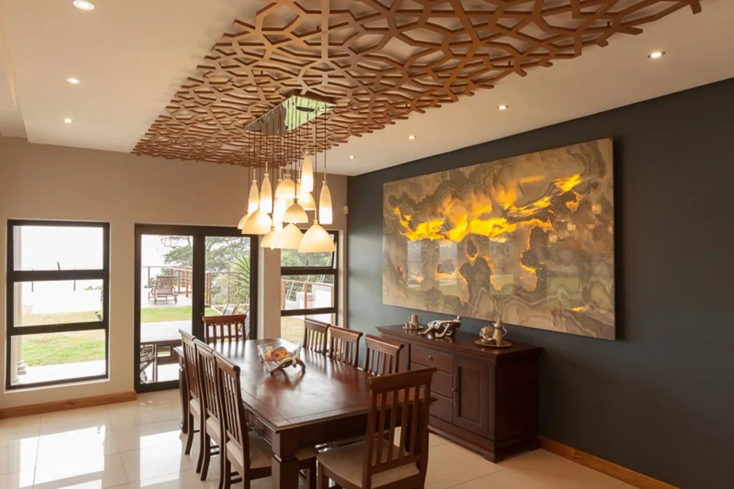 House Naidoo: Dining Room By Redesign Interiors