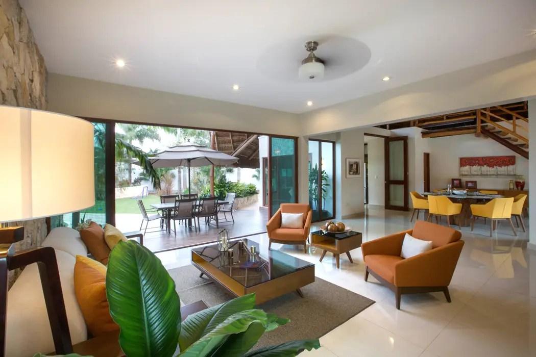 Sala comedor y terraza central salas de estilo moderno