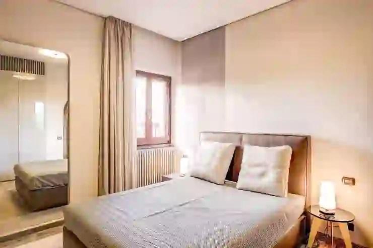 La stanza ha una forma particolarmente lunga e. 8 Colori Ideali Per Camere Da Letto Piccole Homify