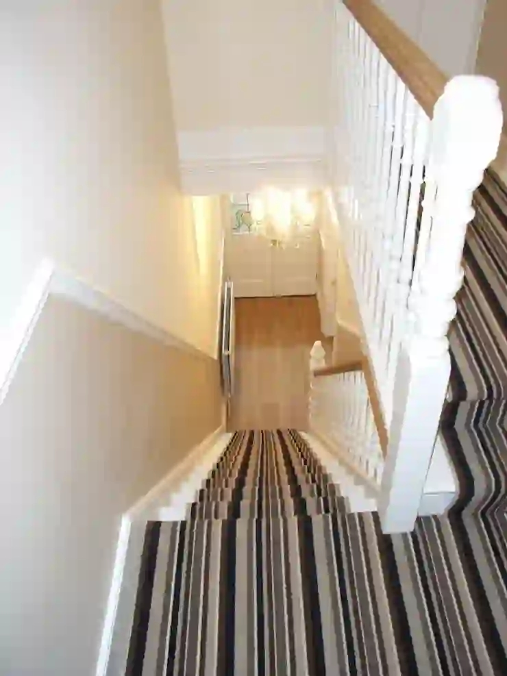 Halls Stairs And Landings De Style Within Homify | Hall Stairs Landing Carpet | Colour | Stair Turn | Wood Floor Hallway Str*P | Twist Pile | Runners