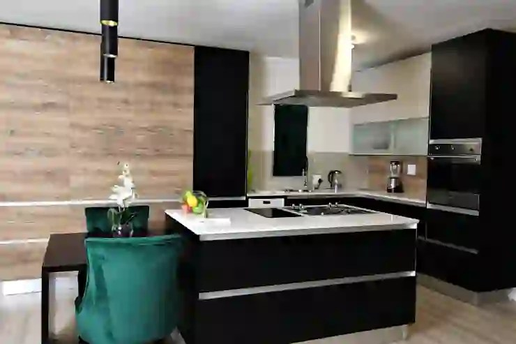 7 modern kitchen designs that are still in for 2018 | homify