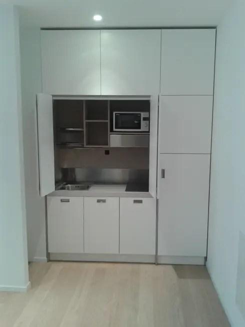 Cucine a scomparsa monoblocco da cm200 con ante  studio a Roma di Minicucinecom  homify