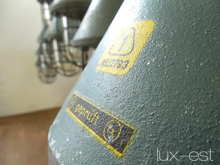 PIRNA S PETROL Fabrik Lampe Industrie Design Original von LuxEst  homify