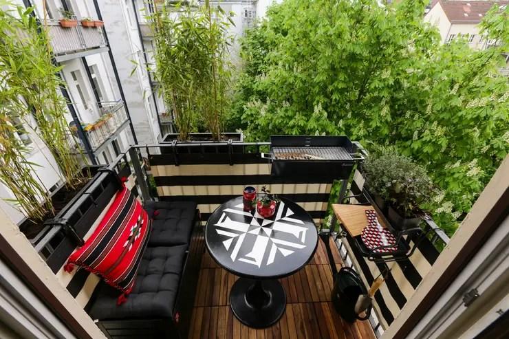 Varanda, alpendre e terraço por DIE BALKONGESTALTER