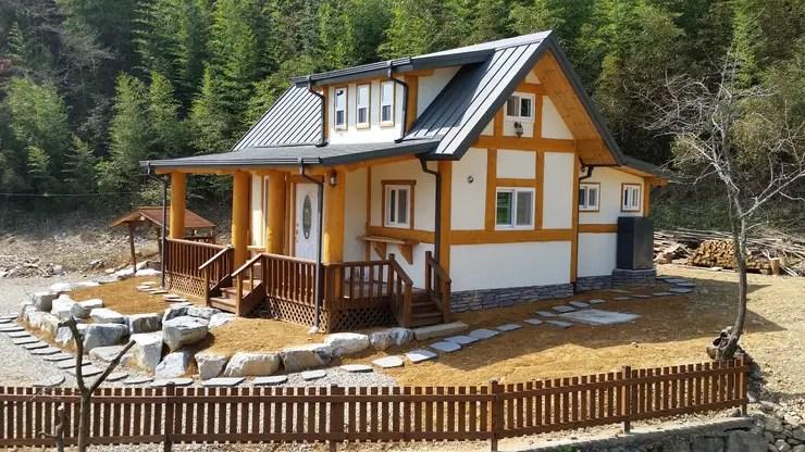 5 Rumah Kayu Kecil dengan Denah yang Dapat Anda Tiru